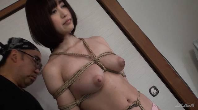 縄をほどかれていく篠田ゆう