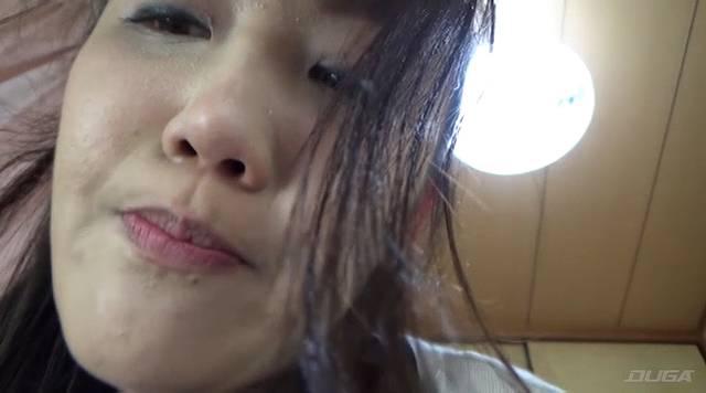 口の中に痰を集める花井優子