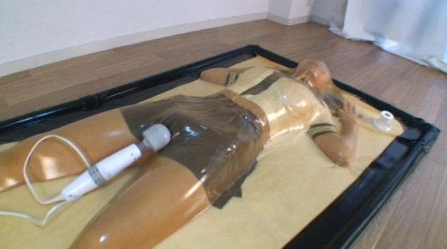 バキュームベッドロリ校生呼吸制御パニック編~どMロリ校生をバキュームベッドで呼吸制御&電マ責めしたらパニくった!!~ 005