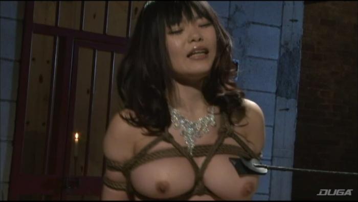 乳房を鞭打ちされマゾイキする変態女-004