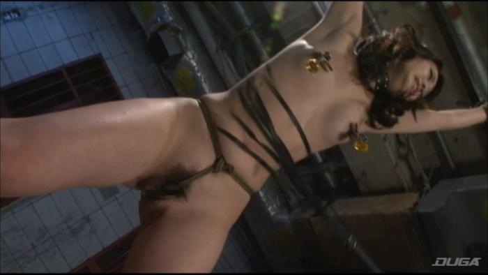 乳房を鞭打ちされマゾイキする変態女-006