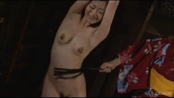 乳房を鞭打ちされマゾイキする変態女-008