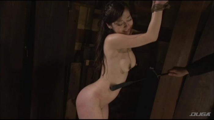 乳房を鞭打ちされマゾイキする変態女-009